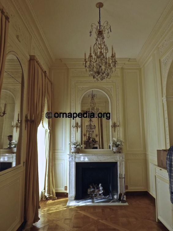 Bordeaux Room