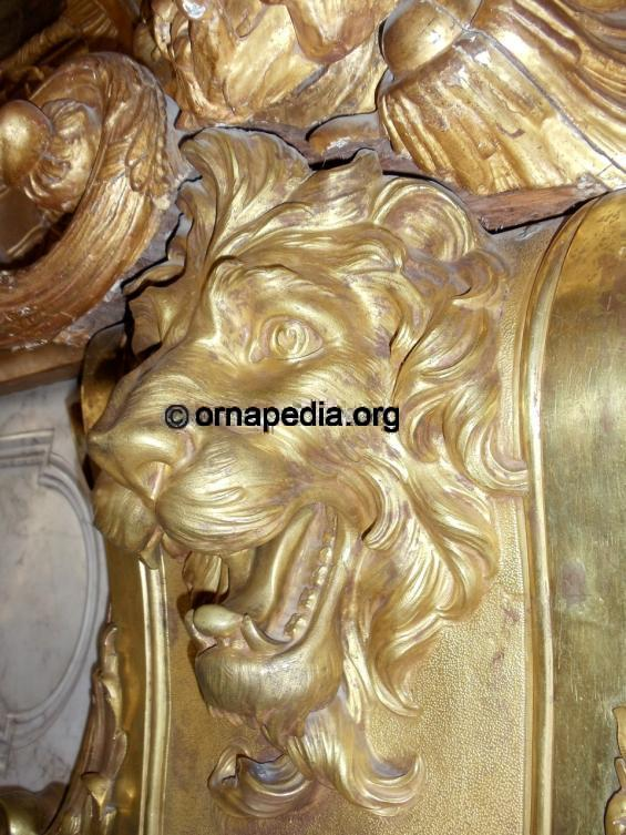 Gilt bronze lion head