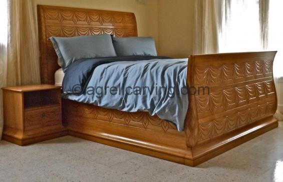 Deco Rateau sleigh bed