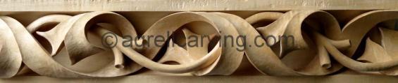 Pierced torus moulding