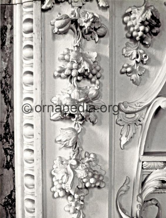 Rococo grapes and roses