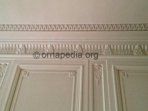Decoration to cornice