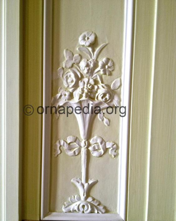 Panel with flowers