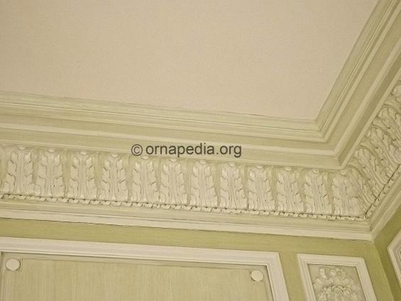 Mezzanine cornice