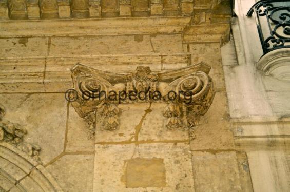 Ionic pilaster