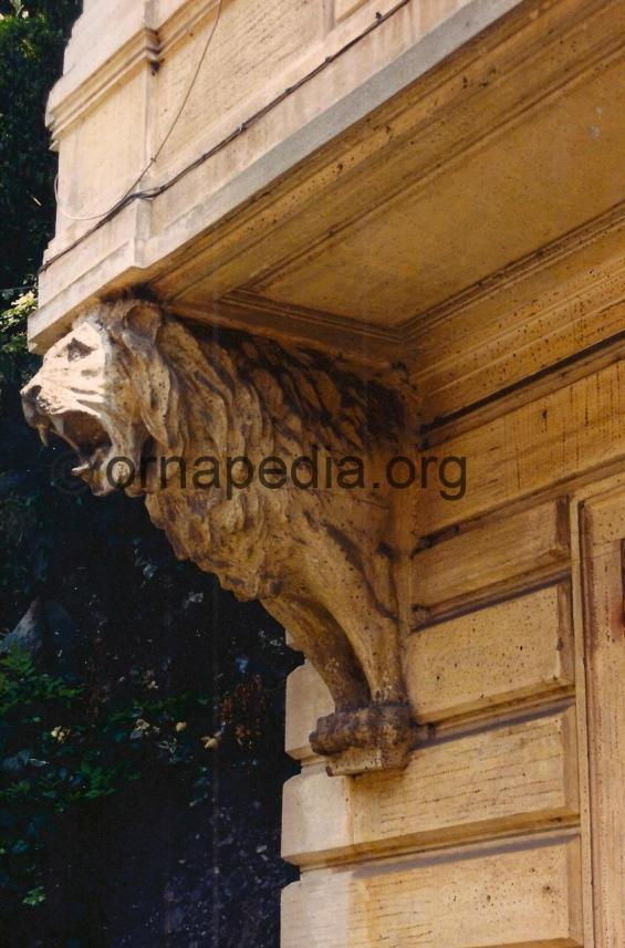 Lion Corbels