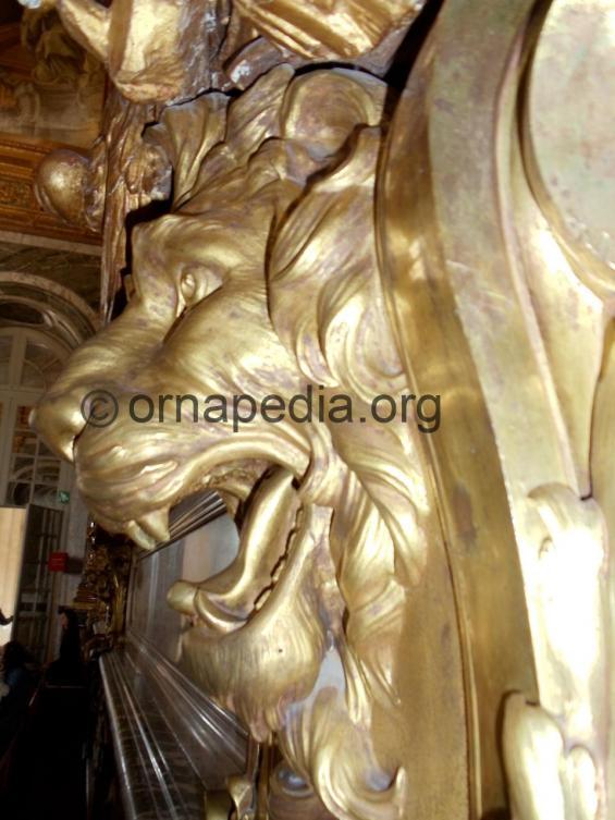 Gilt bronze lion head